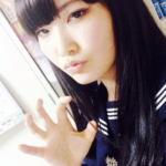 【制服画像】根矢涼香は本名?出身中学高校が判明!弟がイケメン!